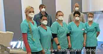 Arzt aus Eppelborn verimpft in Praxis 500 Impfdosen gegen Corona - Saarbrücker Zeitung