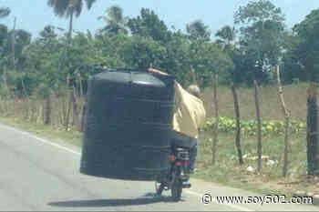 Denuncian a motorista que transporta un tinaco en Villa Nueva - Soy502