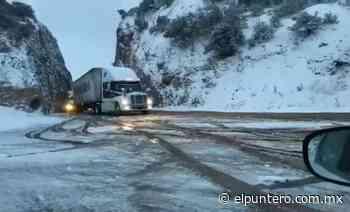 Por presencia de nieve, cierran carretera Janos-Agua Prieta; habilitan un carril para circulación - El puntero