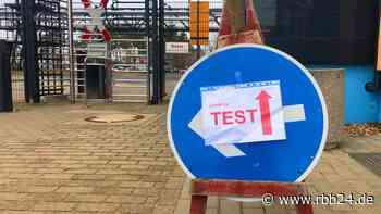 Corona-Testzentrum in Guben: Bezahlung von Tests für Grenzpendler ungeklärt - rbb24