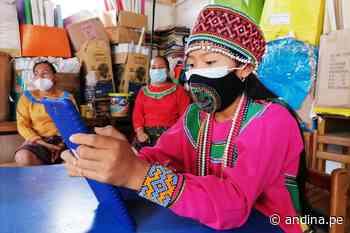 Minedu entrega tablets a escolares shipibo-konibos de Cantagallo - Agencia Andina