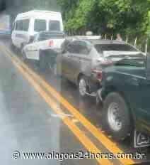 Vídeo mostra engavetamento de veículos em Satuba - Alagoas 24 Horas