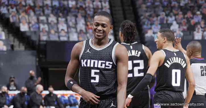 De'Aaron Fox sets new career-high in points as Kings blow out Warriors