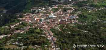 Toque de queda para menores de edad y motociclistas en Ituango - Telemedellín