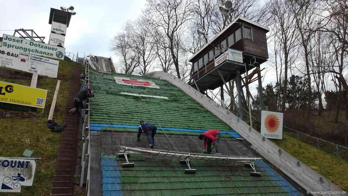 Schon 25 Meter geschafft: Skisprungschanzen Eilenburg erhalten neue Matten - Sportbuzzer