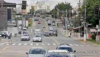 Colisão entre carro e motocicleta na Avenida Francisco Morato - Mobilidade Sampa