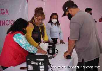 En Ixtapaluca, Edomex; Autoridades locales entregan a través del DIF, aparatos auditivos. - UnomásUno