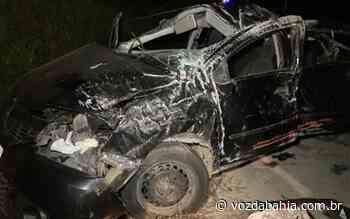 Carro capota em rodovia próximo a Teixeira de Freitas e deixa dois mortos e dois feridos - Voz da Bahia