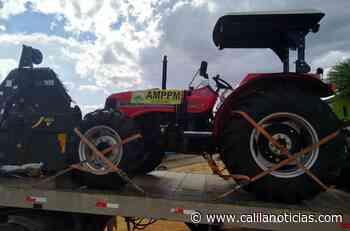 Trator e implementos agrícolas entregues em comunidade rural de Santaluz melhora produção de agricultores - Calila Notícias