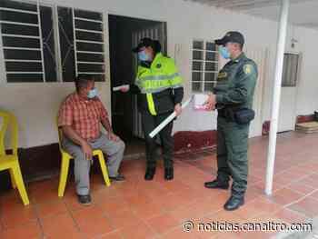 Policía Nacional continúa entregando tapabocas a la ciudadanía, en Pamplonita - Canal TRO