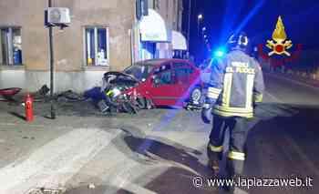 Lonigo, violento scontro fra auto: i pompieri estraggono un uomo rimasto incastrato alla guida - La PiazzaWeb - La Piazza