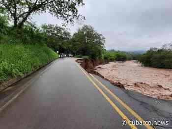 El río Timaná está 'arrancando' la vía que conduce desde y hacia Putumayo con el interior y sur del país - TuBarco