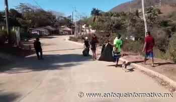 Surfistas y salvavidas limpian acceso a las playas de Ojo de Agua y Puerto Vicente Guerrero - Enfoque Informativo