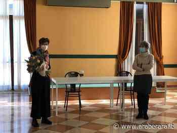 VILLONGO - Maria, bibliotecaria da una vita e il marito Luca (anche lui storico dipendente comunale) salutano Villongo e torna in Toscana: 'Qui lascio il mio cuore' - Araberara - Araberara