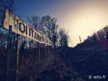 Fontainebleau-Avon. Fin de partie pour le vieux panneau de la gare - La République de Seine-et-Marne