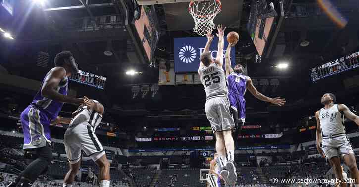 Kings get boost from new guys, earn fifth straight win