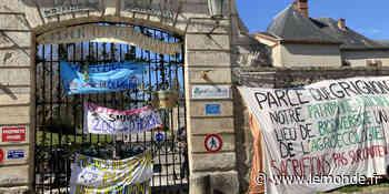 A Grignon, les étudiants refusent que le domaine agricole et le château soient vendus au privé - Le Monde