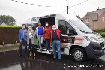Herbi-bus brengt minder mobielen naar vaccinatiecentrum (Haaltert) - Het Nieuwsblad