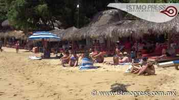 Incrementa arribo de turistas a playas de Puerto Escondido en Oaxaca - Istmo Press