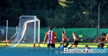 Heroico triunfo de Puerto Moreno en un partido lleno de cruces y polémicas - Bariloche 2000