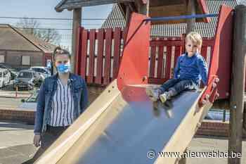 Een kindje in opvang basisschool De Bever - Het Nieuwsblad
