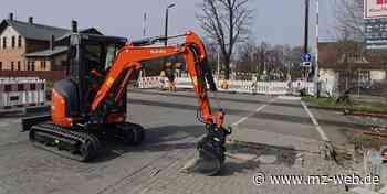 Bahnübergang Frachtstraße in Quedlinburg wird modernisiert: Vollschranken statt Halbschranken und Leitstreifen für Blinde - Mitteldeutsche Zeitung