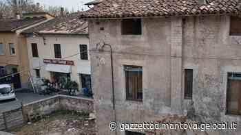 Castel Goffredo, a 95 anni rimane in casa per paura del tetto malandato - La Gazzetta di Mantova