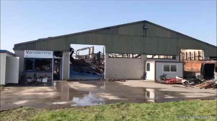 """Volledig houtatelier en familiebedrijf vernield door inferno: """"Ons levenswerk van jaren vernield op één avond"""""""