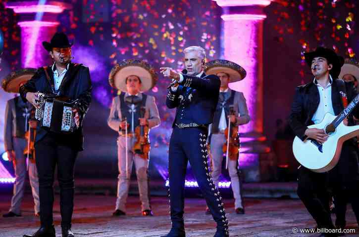 Alejandro Fernandez Set to Receive Icon Award at the 2021 Latin AMAs
