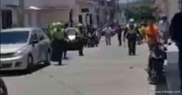 En video quedó registrado feminicidio en Roldanillo, Valle: hombre asesino a su expareja y luego se apuñaló a sí mismo - infobae