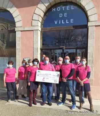 Soustons (40) : 4 044 euros de don remis à la Ligue contre le cancer - Sud Ouest