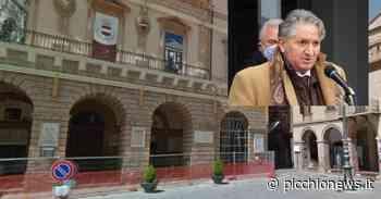 """Tolentino, i commercianti in piazza. Pezzanesi: """"Non si elimina il Covid con i negozi chiusi"""" - Picchio News"""