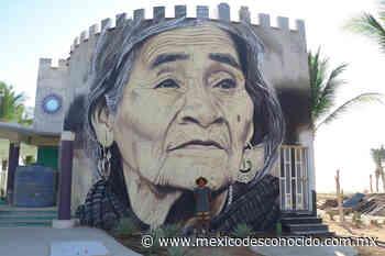 El triqui que pintó el mural de María Sabina en Puerto Escondido - México Desconocido