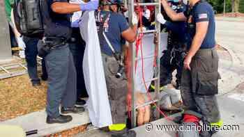 Bomberos de Florida rescatan mujer desnuda de una alcantarilla - Diario Libre