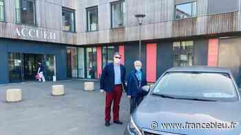 A Craon, ce sont les élus qui transportent les personnes âgées de plus de 70 ans au centre de vaccination - France Bleu