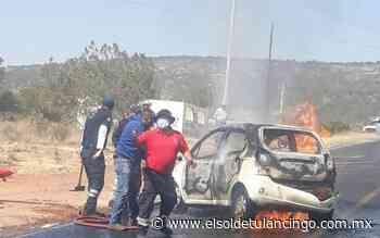 Queman taxi robado en Apan - El Sol de Tulancingo