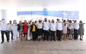 Rinde protesta Roberto Lem como presidente de Canaco Mazatlan - El Sol de Mazatlán