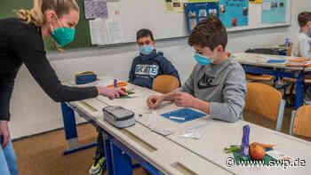"""Schulen in der Corona-Pandemie: Selbsttests an Schulen in Eislingen und Donzdorf: """"Nur sinnvoll, wenn alle mitmachen"""" - SWP"""