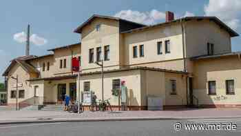 Bürger fordern Denkmalschutz für Bahnhof Torgau - MDR