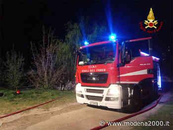 Capannone a fuoco a Pianoro: i vigili del fuoco salvano un cavallo - Modena 2000
