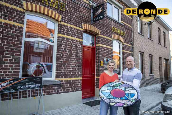 Maaike en Thomas namen begin dit jaar bekend eetcafé over, maar zullen pas volgende Ronde kunnen ontdekken hoe wielergek de regio precies is
