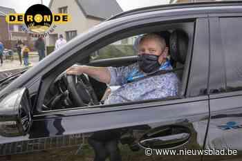"""Guy is tijdens de Ronde chauffeur van de dopingdokter: """"Aje moe kakkn, moe je kakkn? Geen tijd voor"""""""