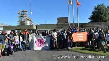 MUNDO OBRERO. [Fotogalería] Acción en Cargill de Villa Gobernador Galvez por paro aceitero - La Izquierda Diario