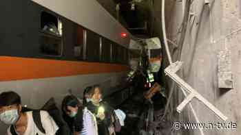 Viele Passagiere eingesperrt: Zug entgleist im Tunnel - Dutzende Tote
