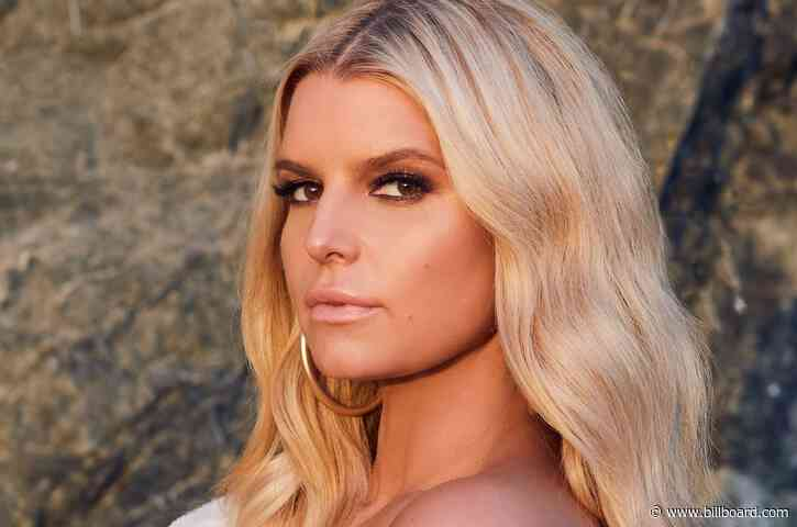 Jessica Simpson Launches Sultry Fiend Fragrance