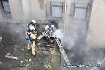 Geen gewonden bij dakbrand in leegstaand gebouw (Sint-Joost-ten-Node) - Het Nieuwsblad