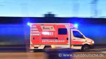 Quadfahrer wird bei Kollision mit Auto schwer verletzt - Süddeutsche Zeitung