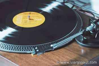 Review of the classic R&B album following his Verzuz concert - Argonaut