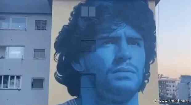 Maradona, ecco un altro murales: omaggio sui muri di Frattamaggiore - ilmattino.it