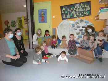 Monistrol-sur-Loire : une exposition des bambins de la crèche à voir à la médiathèque - La Commère 43 - La Commère 43